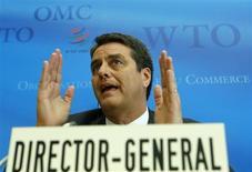 Roberto Azevêdo, novo diretor-geral da Organização Mundial do Comércio (OMC), durante coletiva de imprensa na sede da organização, em Genebra, 9 de setembro de 2013. As exaustivas negociações da OMC a respeito do primeiro acordo global de livre comércio foram abandonadas na madrugada desta segunda-feira, sem um acordo sobre o texto a ser apresentado no mês que vem numa reunião ministerial em Bali. 09/09/2013 REUTERS/Denis Balibouse