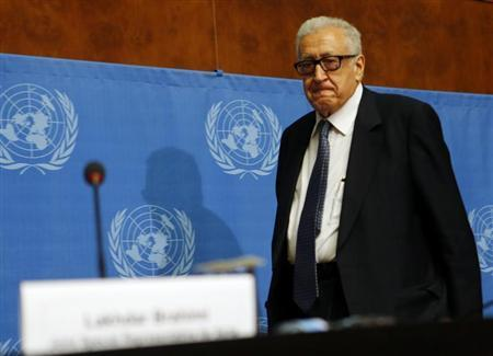 Arab League-United Nations envoy Lakhdar Brahimi arrives for a news conference on the situation in Syria at the United Nations European headquarters in Geneva November 25, 2013. REUTERS/Denis Balibouse