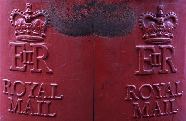 A Royal Mail post box is seen in central London October 16, 2013. REUTERS/Stefan Wermuth