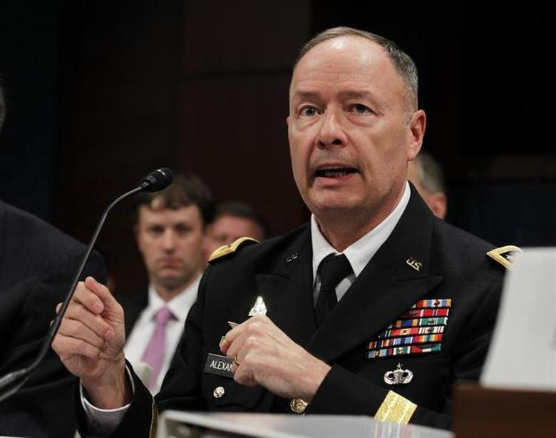 U.S. General Keith Alexander, director of the National Security Agency, testifies at a House Intelligence Committee hearing on Capitol Hill in Washington, October 29, 2013. REUTERS/Jason Reed