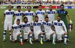 Jogadores da seleção italiana alinhados antes de partida da Copa das Confederações contra a Espanha, em Fortaleza. 27/06/2013 REUTERS/Jorge Silva