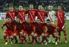 Time da Rússia posa antes de jogo das eliminatórias da Copa-2014 contra o Azerbaijão em Baku 15/10/2013. REUTERS/David Mdzinarishvili