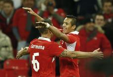 O chileno Alexis Sánchez comemora gol contra a Inglaterra em amistoso em novembro. REUTERS/Darren Staples
