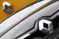 Renault, à suivre jeudi à la Bourse de Paris. Le principal organisme chinois chargé de la planification économique a approuvé le lancement d'une coentreprise entre le constructeur et Dongfeng pour la fabrication et la commercialisation de véhicules en Chine. /Photo d'archives/REUTERS/Christian Hartmann