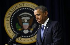 Foto del 4 de diciembre de 2013. El presidente de Estados Unidos, Barack Obama, durante un discurso en la Casa Blanca sobre la ley de Protección del Paciente y Cuidado de Salud Asequible. El fabricante de teléfonos móviles BlackBerry todavía tiene al menos un cliente muy leal: el presidente de Estados Unidos, Barack Obama. REUTERS/Kevin Lamarque