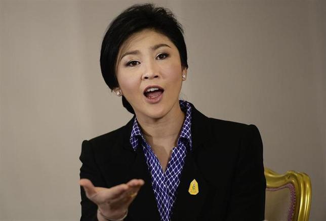 12月9日、タイのインラック首相は、議会を解散し「できるだけ早期に」選挙を実施するとの意向を明らかにした。写真は7日、バンコクで撮影(2013年 ロイター/Dylan Martinez)