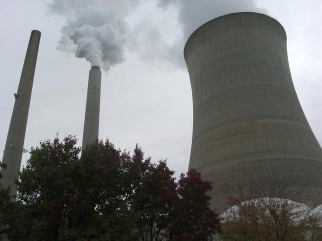 The cooling tower of a power plant is seen in New Haven, West Virginia in this October 27, 2009 file photo. REUTERS/Ayesha Rascoe
