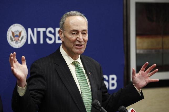 Senator Charles Schumer (D-NY) speaks to the media during a news conference at Yonkers in New York December 2, 2013. REUTERS/Eduardo Munoz