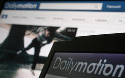 Dailymotion pourrait conclure prochainement un partenariat en vue d'accélérer son expansion aux Etats-Unis et discute d'un accord de même type pour le marché asiatique, a déclaré mercredi Stéphane Richard, le PDG d'Orange, qui contrôle le site de vidéos en ligne. /Photo prise le 3 mai 2013/REUTERS/Christian Hartmann