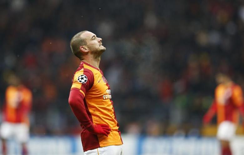 Wesley Sneijder of Galatasaray reacts during their Champions League soccer match against Juventus in Istanbul December 11, 2013. REUTERS/Murad Sezer