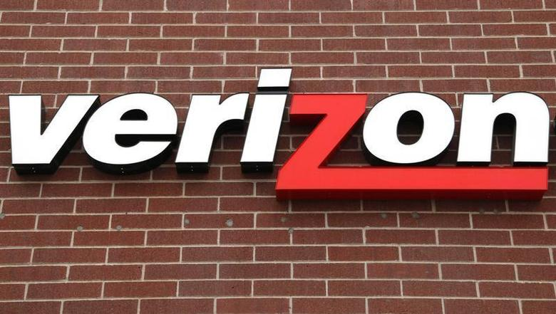 A sign of Verizon is seen at its store in Westminster, Colorado April 26, 2009. REUTERS/Rick Wilking