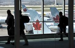 Air Canada, première compagnie aérienne canadienne, va commander jusqu'à 109 appareils 737 MAX à Boeing en remplacement de sa flotte actuelle, pour un montant qui pourrait atteindre un total de 6,5 milliards de dollars. /Photo d'archives/REUTERS/Mike Cassese