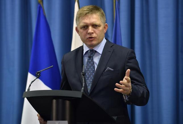 Slovakia's Prime Minister Robert Fico speaks during a news conference at the Slovak government building in Bratislava, October 29, 2013. REUTERS/Radovan Stoklasa