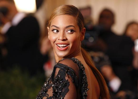 Singer Beyonce arrives at the Metropolitan Museum of Art Costume Institute Benefit celebrating the opening of the ''Schiaparelli and Prada: Impossible Conversations'' exhibition in New York, May 7, 2012. REUTERS/Lucas Jackson