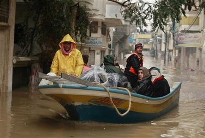 More than 5,000 evacuated from Gaza 'disaster area'...