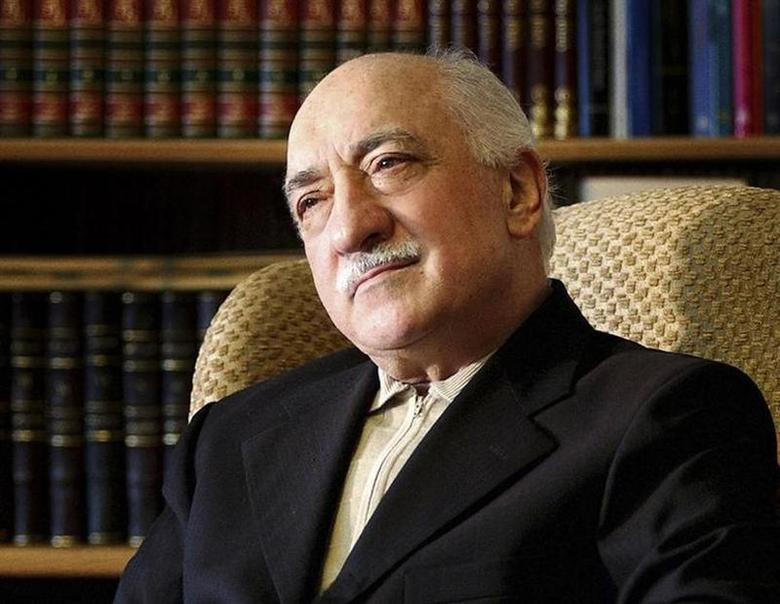 Islamic preacher Fethullah Gulen is pictured at his residence in Saylorsburg, Pennsylvania in this December 28, 2004 file photo. REUTERS/Selahattin Sevi/Zaman Daily via Cihan News Agency