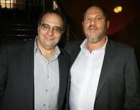 "Bob Weinstein (L) and his brother Harvey Weinstein, the founders of The Weinstein Co., an independent motion picture studio, pose at the premiere of their studio's film ""1408"" in Los Angeles, California June 12, 2007. REUTERS/Fred Prouser"