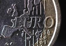 Les ultimes tractations cette semaine sur la création d'une union bancaire, étape la plus importante de la construction européenne depuis l'avènement de l'euro, risquent d'éclipser les efforts du sommet de Bruxelles pour relancer l'Europe de la défense. /Photo d'archives/REUTERS/Mal Langsdon