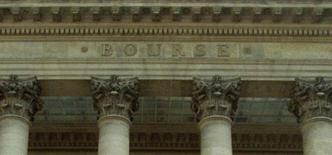 Les principales Bourses européennes ont ouvert en hausse mercredi, dans la foulée des places asiatiques et malgré le repli de Wall Street la veille, refaisant ainsi une partie du terrain perdu mardi avant la décision que prendra la Réserve fédérale au sujet de son programme d'assouplissement quantitatif. À Paris, le CAC 40 progressait de 0,23% à 4.078,02 points vers 08h22 GMT. À Francfort, le Dax avançait de 0,47% et à Londres, le FTSE prenait 0,23%. L'indice paneuropéen EuroStoxx 50 gagnait 0,32%. /Photo d'archives/REUTERS