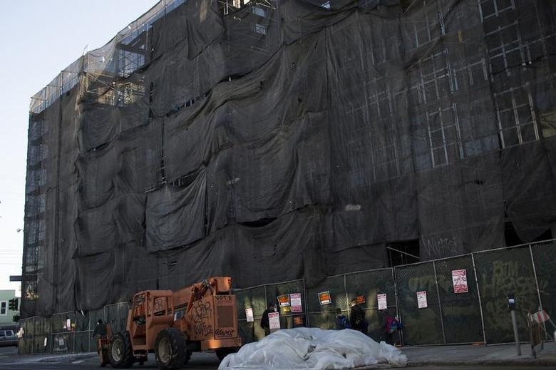 A condominium building is under construction in the Mission District in San Francisco, California December 9, 2013. REUTERS/Stephen Lam