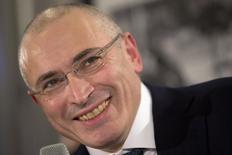 O ex-magnata russo do petróleo, Mikhail Khodorkovsky, durante coletiva de imprensa neste domingo, em Berlim. 22/12/2013 REUTERS/Axel Schmidt