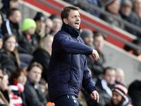 O técnico do time Tottenham Hotspur, Tim Sherwood, durante vitória contra o Southampton neste domingo, em Southampton, sul da Inglaterra. 22/12/2013 REUTERS/Dylan Martinez