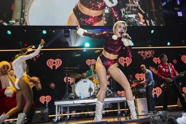 Singer Miley Cyrus performs during the 2013 Z100 Jingle Ball in New York December 13, 2013. REUTERS/Lucas Jackson