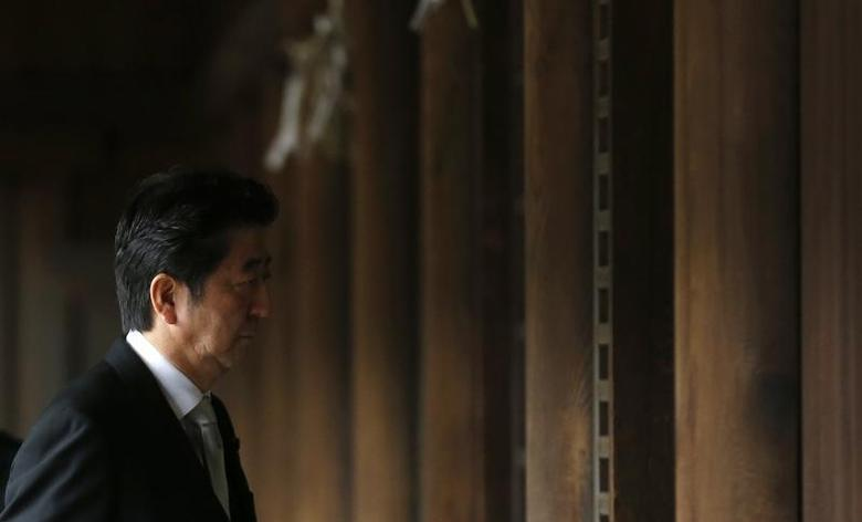 Japan's Prime Minister Shinzo Abe visits Yasukuni shrine in Tokyo December 26, 2013. REUTERS/Toru Hanai