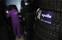 Le fabricant de pneumatiques Cooper Tire & Rubber Co renonce à son projet de fusion avec l'indien Apollo Tyres, ce dernier n'ayant pu, selon lui, réunir les financements nécessaires pour la transaction. /Photo prise le 8 octobre 2013/REUTERS/Danish Siddiqui