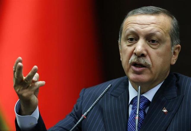12月30日、汚職疑惑で政治不安が高まるトルコでは、1週間にわたって売られていた株式や通貨リラが反発した。写真はエルドアン首相。アンカラで11月撮影(2013年 ロイター/Umit Bektas)