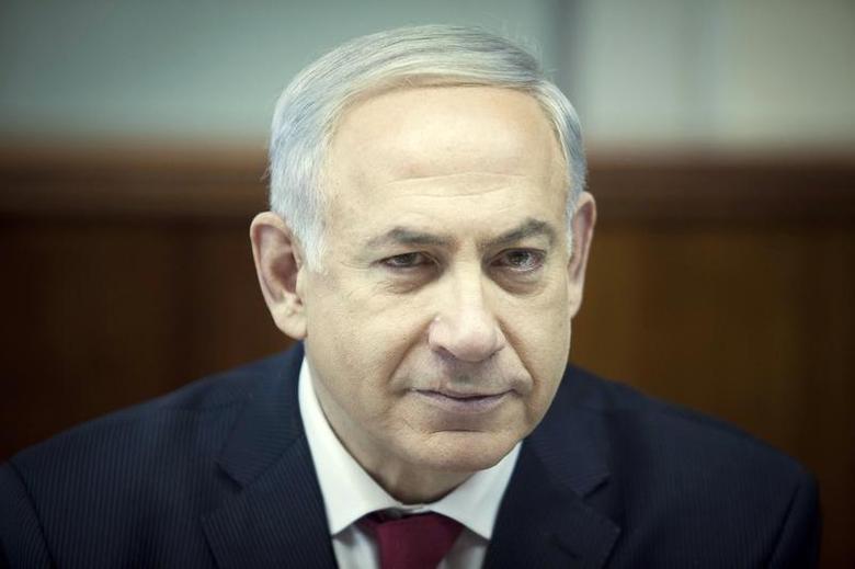 Israel's Prime Minister Benjamin Netanyahu attends the weekly cabinet meeting in Jerusalem December 29, 2013. REUTERS/Dan Balilty/Pool