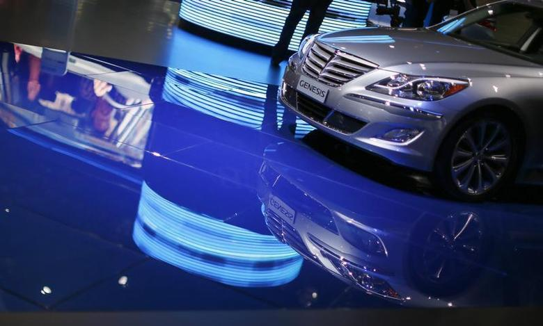 A Hyundai Genesis is seen at the 2013 Los Angeles Auto Show in Los Angeles, California, November 21, 2013. REUTERS/Lucy Nicholson