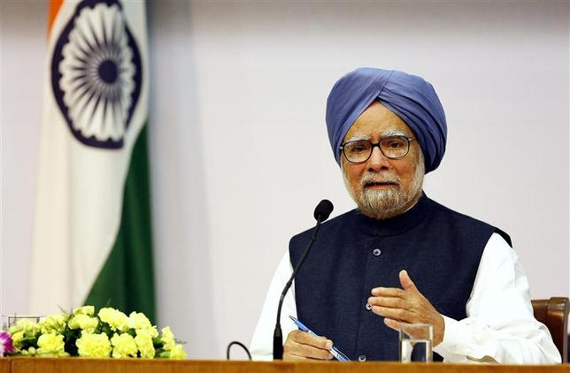 India's Prime Minister Manmohan Singh speaks during a news conference in New Delhi January 3, 2014. REUTERS/Harish Tyagi/Pool