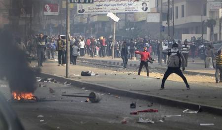 عالمي تستدعي السفير القطري انتقادات لقمع محتجين ?m=02&d=20140104