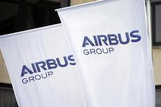 Airbus Group est à suivre à la Bourse de Paris, l'avionneur européen ayant engrangé davantage de commandes que Boeing en 2013 et livré plus de 625 appareils, pendant que son concurrent en livrait 648, selon des sources industrielles. /Photo prise le 3 janvier 2014/REUTERS/Benoît Tessier