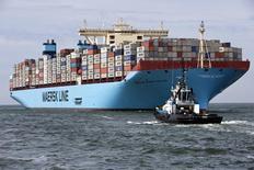 A.P. Moller-Maersk, conglomérat danois notamment spécialisé dans le pétrole et le transport de conteneurs, a cédé une part de 48,68% dans Dansk Supermarked, premier distributeur du pays, et de 18,72% de la chaîne de grands magasins F. Salling à la holding The Salling Companies. Ces transactions généreraient un produit en numéraire de quelque 17 milliards de couronnes danoises (2,3 milliards d'euros). /Photo prise le 16 août 2013/REUTERS/Michael Kooren