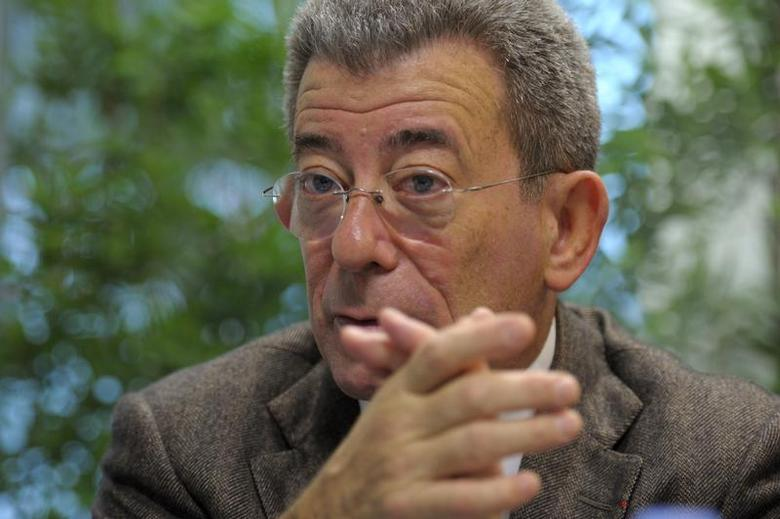 Michel Landel, Chief Executive of Sodexo, the world's second-biggest catering services company, speaks during an interview with Reuters in Issy-les-Moulineaux near Paris November 22, 2010. REUTERS/Philippe Wojazer