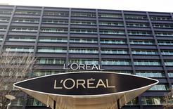L'Oréal a cessé de commercialiser les produits Garnier en Chine afin de concentrer ses efforts sur d'autres marques, une semaine après le retrait de l'américain Revlon. /Photo d'archives/REUTERS/Charles Platiau