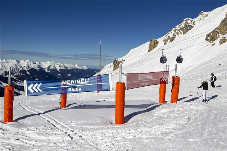 A general view shows the slopes 'Chamois' (R) and 'Biche' (L), and a off-piste area with rocks (C) where seven-time Formula One champion Michael Schumacher is supposed to have been injured in a skiing accident in the ski resort of Meribel, French Alps, January 7, 2014. REUTERS/Emmanuel Foudrot