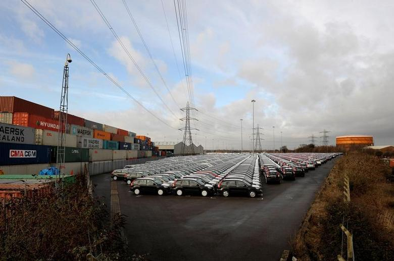 Honda cars are parked in rows at docks, in Southampton, southern England January 22, 2009. REUTERS/Kieran Doherty