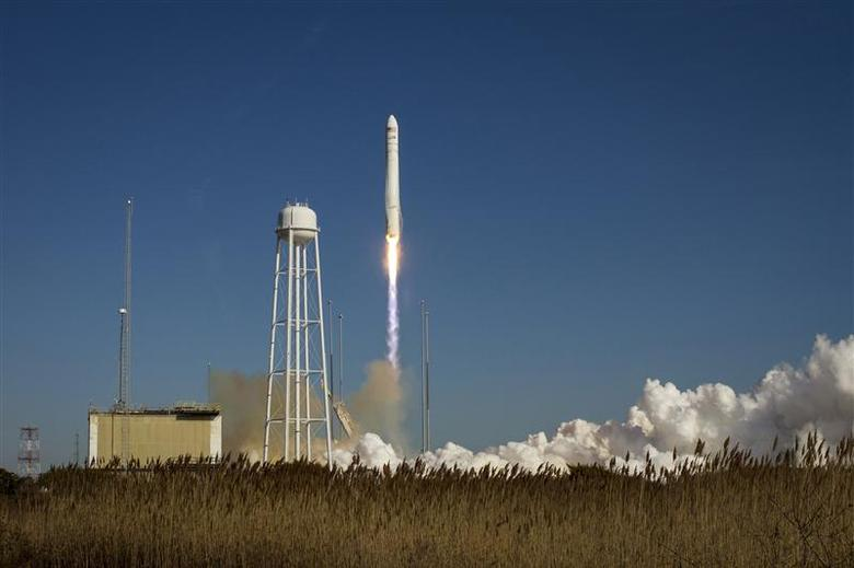 An Orbital Sciences Corporation Antares rocket is seen as it launches from Pad-0A at NASA's Wallops Flight Facility at Wallops Island, Virginia January 9, 2014. REUTERS/Bill Ingalls/NASA/Handout