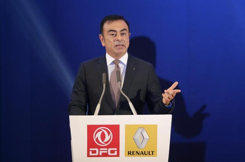 Chairman and CEO of Renault Carlos Ghosn speaks during a joint venture contract signing ceremony with Chairman of Dongfeng Motor Group Company Xu Ping in Wuhan, Hubei province, December 16, 2013. REUTERS/Stringer