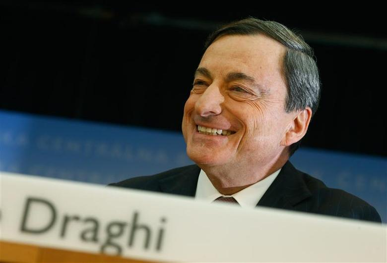 European Central Bank (ECB) President Mario Draghi smiles during the monthly ECB news conference in Frankfurt January 9, 2014. REUTERS/Ralph Orlowski