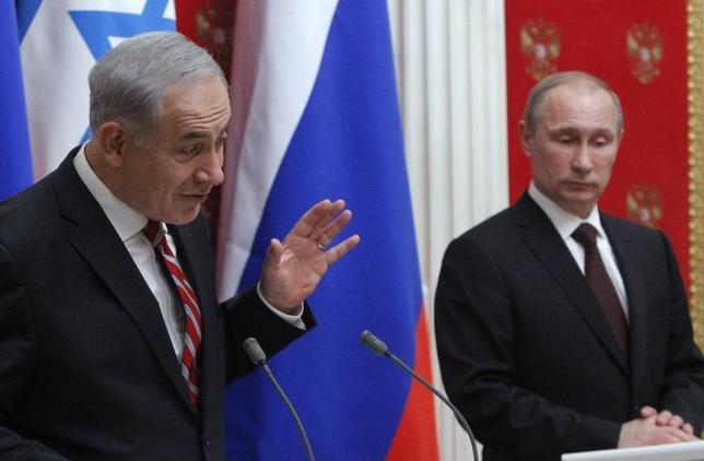 Russian President Vladimir Putin (R) and Israel's Prime Minister Benjamin Netanyahu take part in a joint news conference in Moscow's Kremlin November 20, 2013. REUTERS/Maxim Shemetov