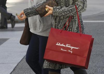 Chinese shoppers abroad to boost Ferragamo's 2014 sales