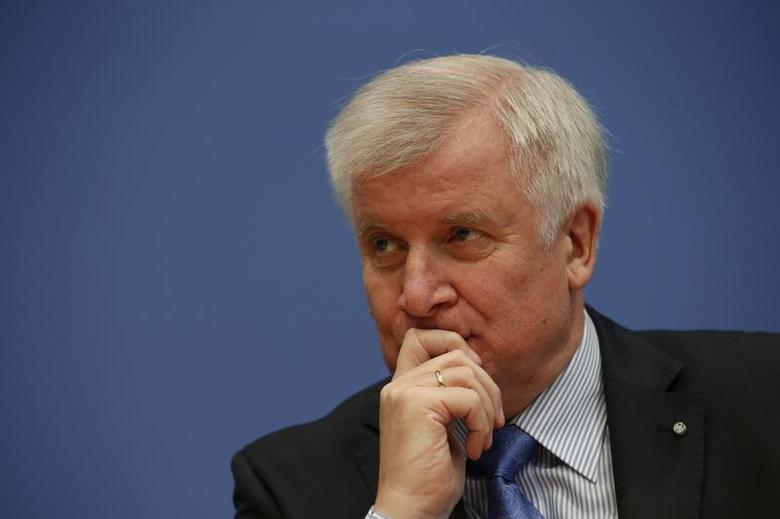 Horst Seehofer, leader of the Christian Social Union (CSU) attends a news conference in the Bundespressekonferenz in Berlin, November 27, 2013. REUTERS/Fabrizio Bensch