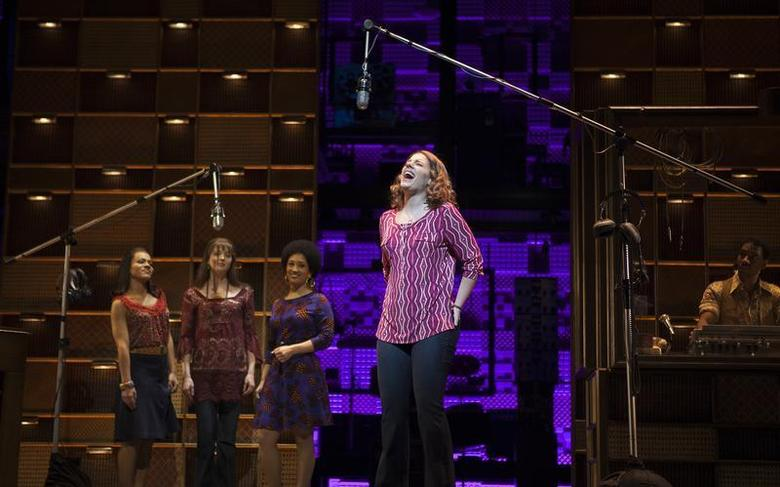 Jessie Mueller sings onstage during the ''Beautiful - The Carole King Musical'' press preview at the Stephen Sondheim Theatre in New York, November 21, 2013. REUTERS/Carlo Allegri
