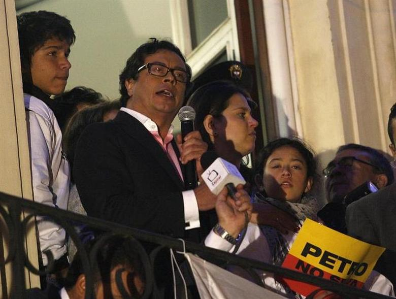 Bogota mayor Gustavo Petro speaks during a rally at the Plaza de Bolivar in Bogota December 9, 2013. REUTERS/Fredy Builes