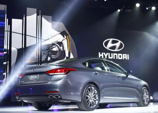 The new Hyundai Genesis is displayed during the press preview day of the North American International Auto Show in Detroit, Michigan January 13, 2014. REUTERS/Joshua Lott