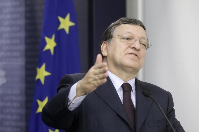 President of the European Commission Jose Manuel Barroso gestures as he speaks during a news conference in Riga January 10, 2014. REUTERS/Ints Kalnins